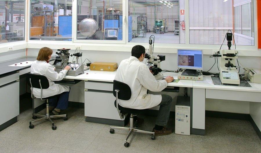 laboratorio metalúrgico fundición